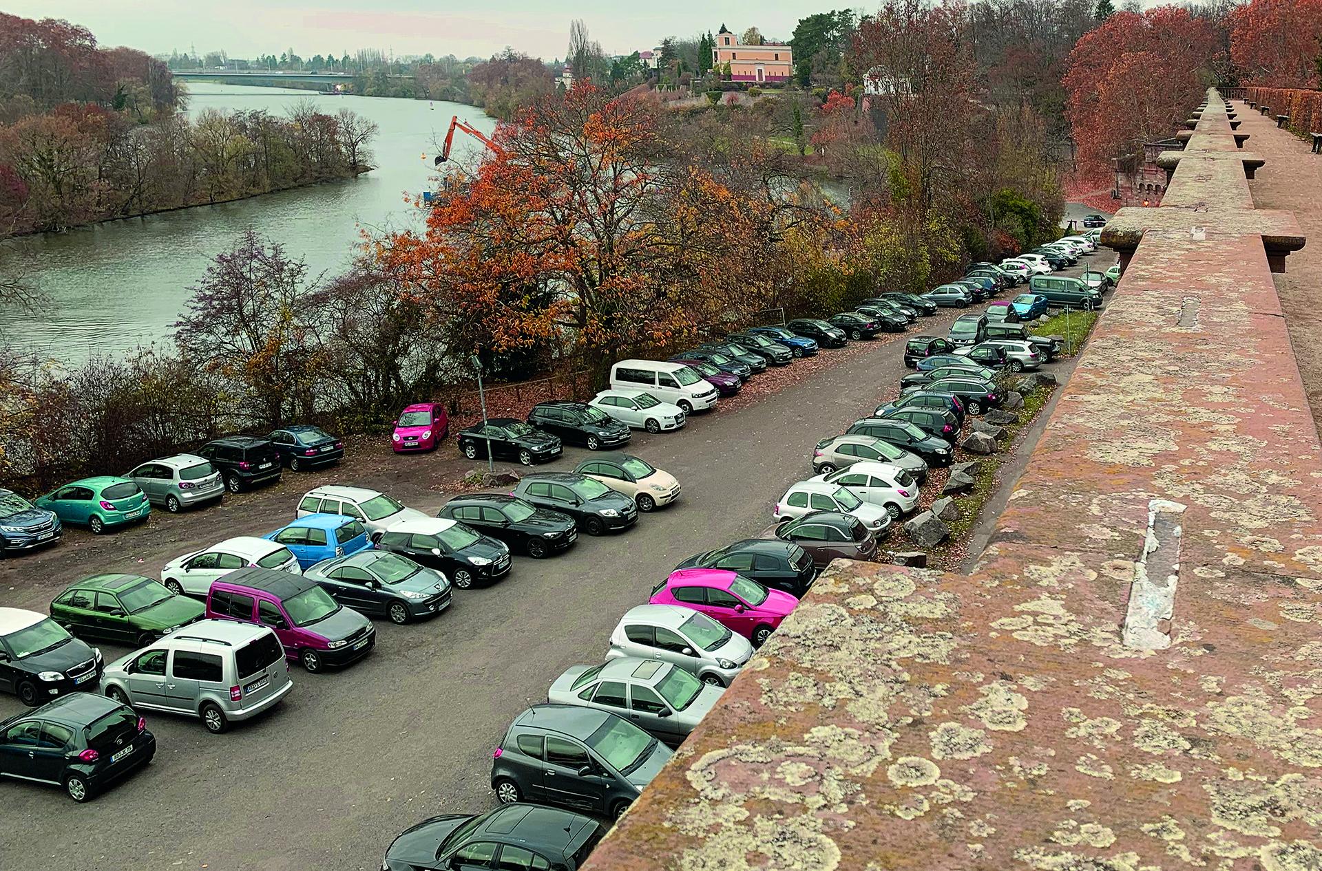 Der ehemalige Parkplatz unterhalb des Schlosses ©Rudolf Keller
