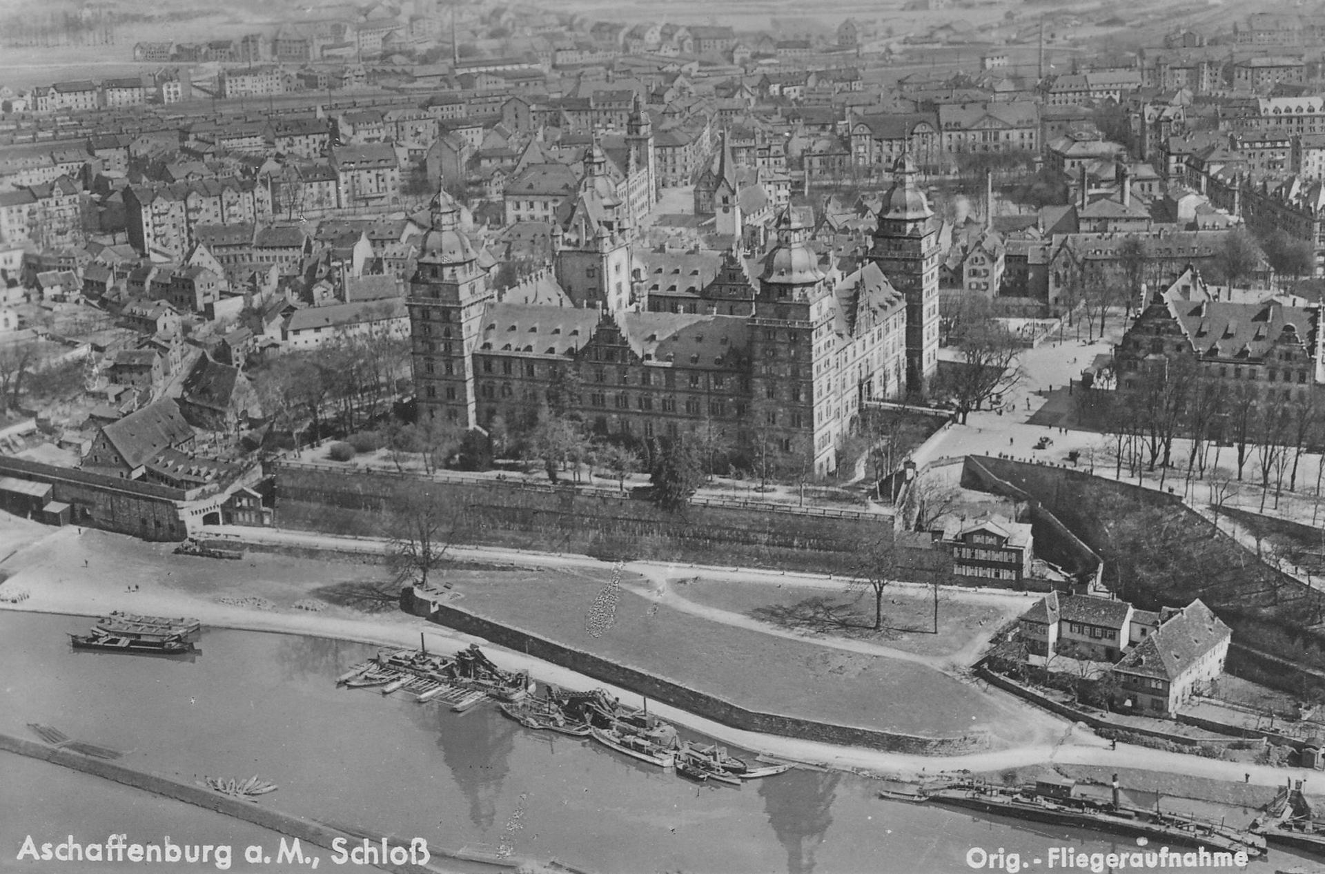 © Luftaufnahme, Ernst Asmus Leipzig. Stadt- und Stiftsarchiv Aschaffenburg, Ansichtskartensammlung